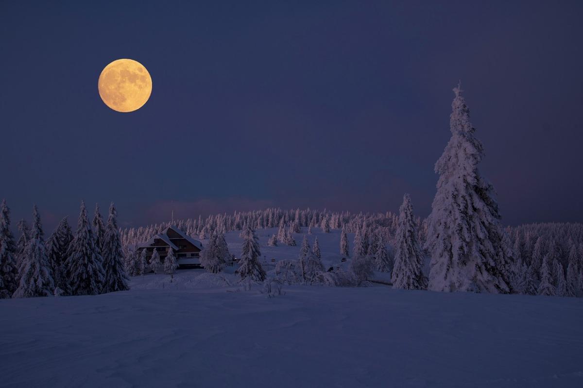 Con la Luna de Nieve